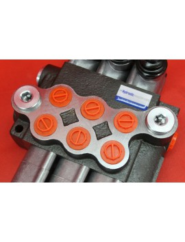 Control valve 3 section 40 l/min (11GPM)  with 3 swimming section and joystick