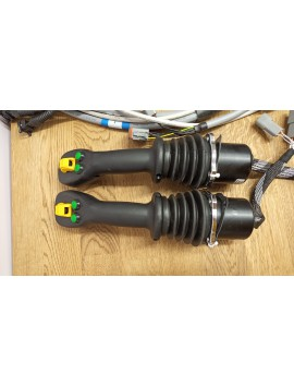 2 x joysticks Hydraulic valve 6 functions Full proportional Track Forest crane