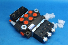 Three spool hydraulic valve